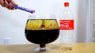 コーラに油を混ぜてメントス入れたらすごい事になる?!